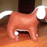 М'яка іграшка - собака. Зовнішній матеріал - фетр, наповнювач - вовна. Автор: Ганна Шпілька. 2008